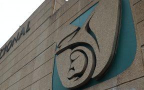 Vinculan a proceso a dos funcionarios del IMSS por beneficio a empresas acusadas de prácticas monopólicas