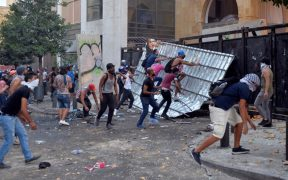 Por segundo día siguen las protestas en Beirut luego de la explosión del pasado martes.