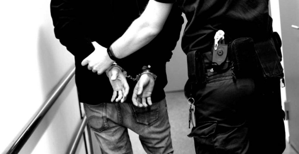 """Condenan a 20 años de prisión a """"El Carrete"""", líder de """"Los Rojos"""""""