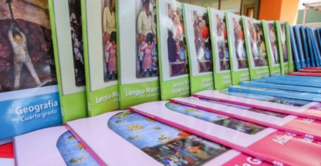 La SEP informó el domingo que los libros de texto para este ciclo escolar estarán sanitizados y se entregarán a las escuelas para que organicen su distribución.