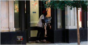 Los saqueos del lunes en Chicago ocurrieron en tiendas departamentales y bancos