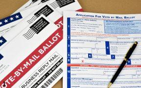 El 76% de los estadounidenses podría votar por correo en noviembre: NYT