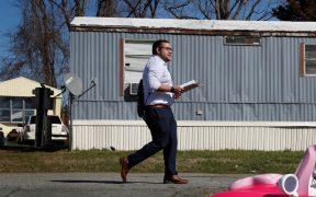 El virus trastoca la campaña de Ricky Hurtado, un joven candidato latino
