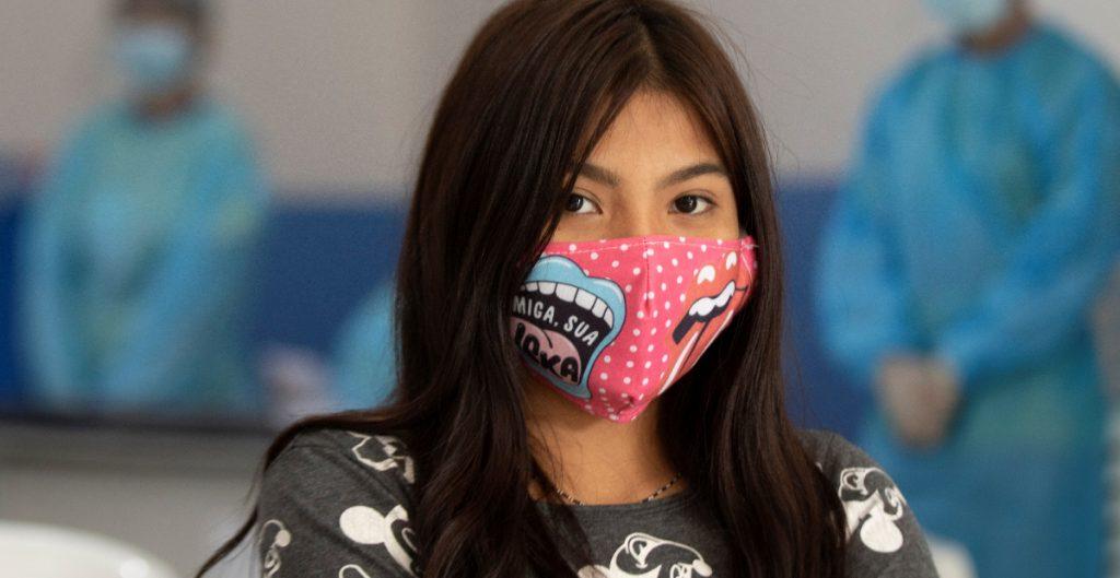 Estudio avala la eficacia de los cubrebocas de tela para frenar la pandemia