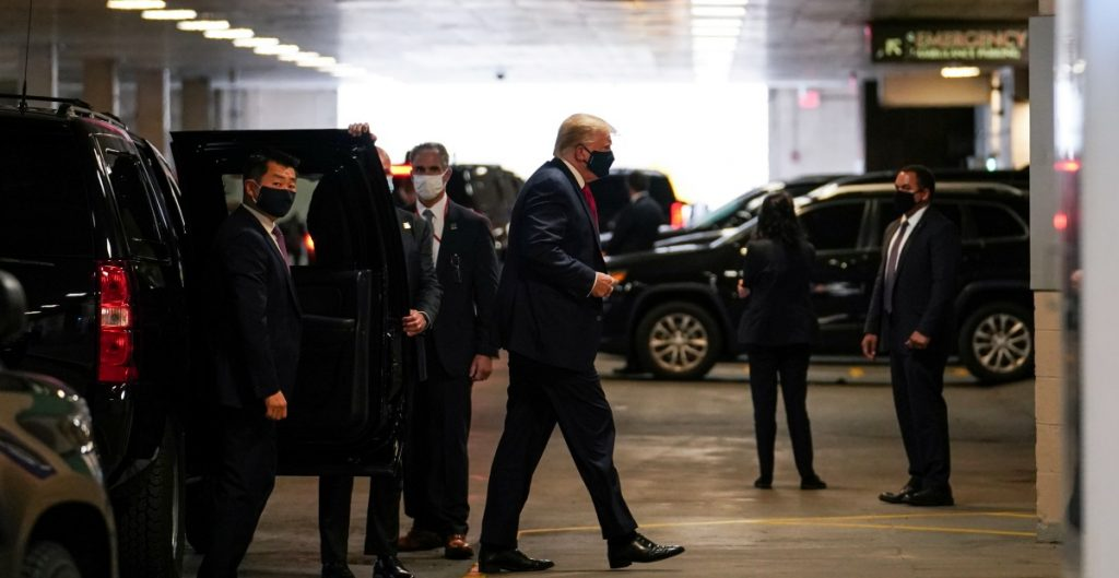 Trump visita a su hermano, quien está hospitalizado en Nueva York