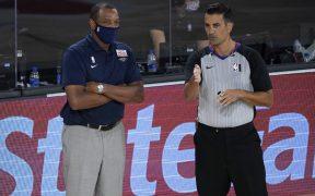 El entrenador Gentry no pudo llevar a los Pelicans a playoffs y queda fuera. (Foto: Reuters)
