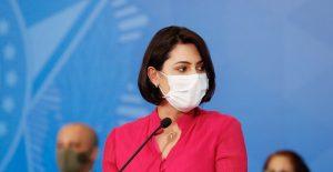 La primera dama de Brasil informó que resultó negativa su prueba a Covid-19.