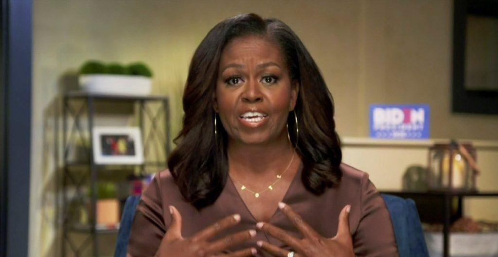 """Michelle Obama llama """"infantil y antipatriota"""" a Trump tras disturbios en el Capitolio"""
