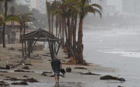 Genevieve causará lluvias intensas en el Pacífico.