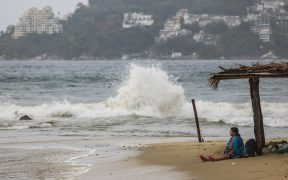 Huracán Genevieve afecta el pacífico mexicano