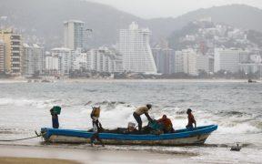 Protección Civil emitió alerta roja en Baja California.