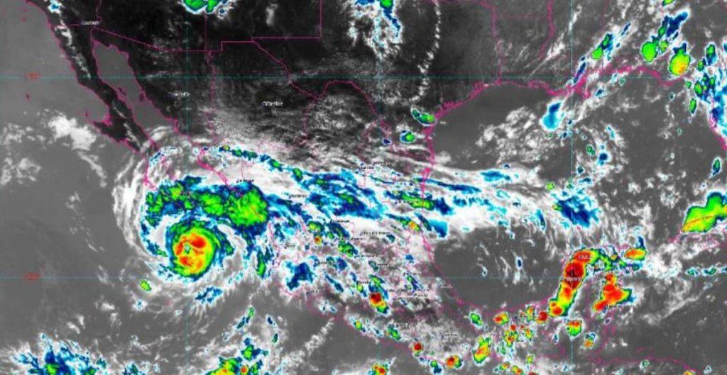 'Genevieve' se degrada a huracán categoría 1; aún provocará lluvias en BCS y otros 4 estados