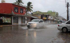 Huracán 'Genevieve' se degrada a tormenta tropical en las costas de Baja California