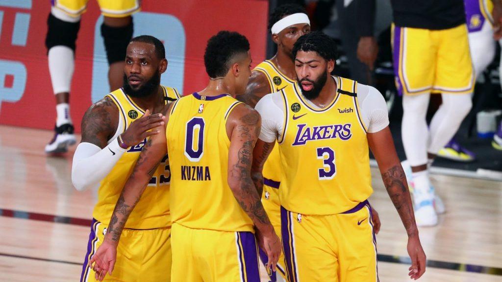 Davis fue la figura de Lakers para empatar la serie ante Portland. (Foto: Reuters)