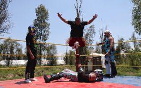La pandemia no ha derrotado a los luchadores mexicanos,que buscan espacios alternativos para trabajar. (Foto: EFE)