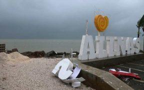 Las tormentas tropicales 'Laura' y 'Marco' avanzan a Estados Unidos