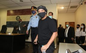 Ronaldinho recibió su libertad tras seis meses detenido en Paraguay. (Foto: EFE)