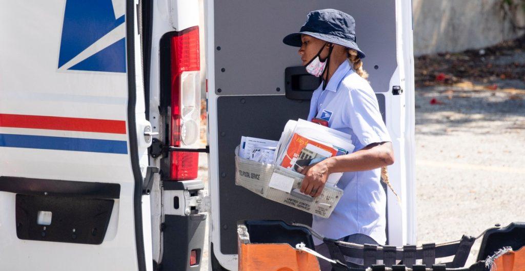 Mayoría de latinos en California confía en voto por correo para la elección