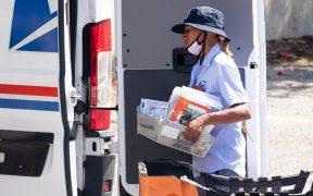 Mayoría de latinos en California confían en el Servicio Postal para votar