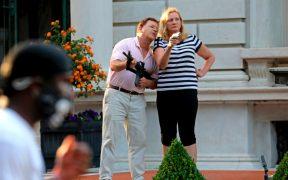 Los McCloskey, pareja que apuntó con armas a manifestantes pacíficos