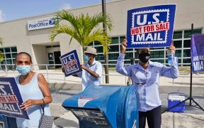 Inteligencia de EU contradice a Trump; no hay indicios de interferencia en la votación por correo