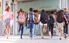 Escuelas no juegan papel central en la transmisión de Covid: OMS