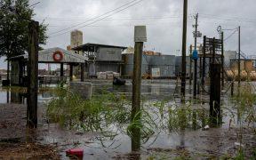 'Laura' se degrada a huracán categoría 1 sobre Estados Unidos