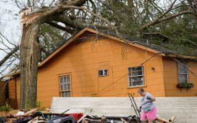 'Laura' deja cuatro muertos a su paso por Louisiana