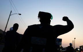 Presentan cargos contra joven de 17 años que mató a dos durante protestas en Kenosha