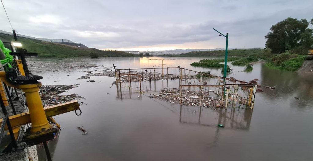 Reportan inundación en el túnel del Circuito Exterior Mexiquense