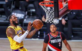LeBron James marcó 36 puntos en el triunfo de Lakers sobre Portland. (Foto: EFE)