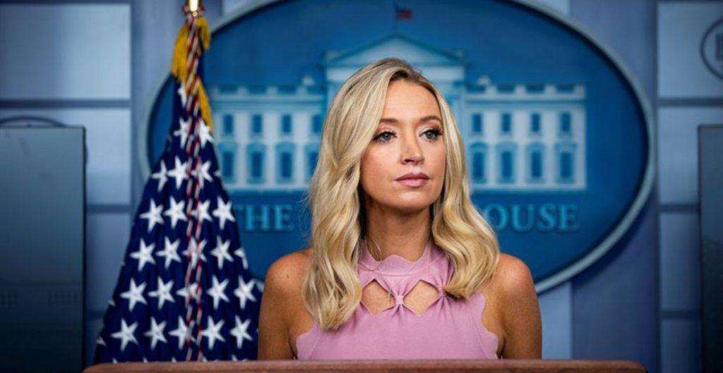 Kayleigh McEnany, secretaria de prensa de la Casa Blanca da positivo a Covid-19