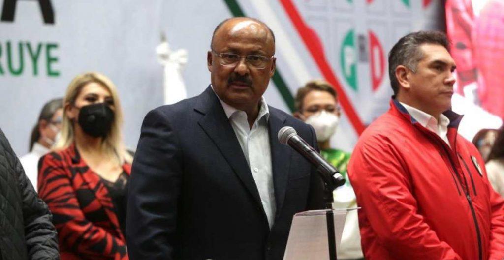 Murió René Juárez Cisneros, líder de los diputados del PRI, tras complicaciones por Covid-19