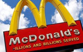 Exfranquiciados afroamericanos demandan a McDonald's por discriminación
