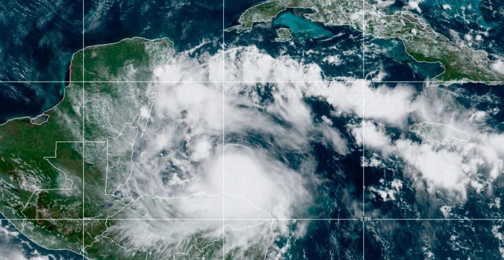 'Nana' se convierte en huracán