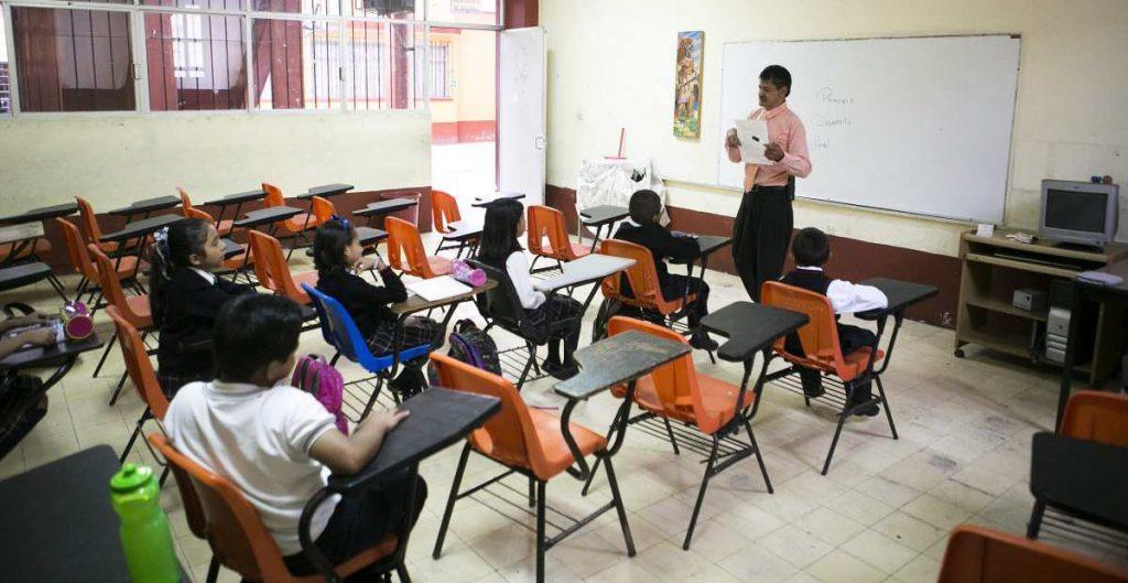 Hacienda detecta contratos falsos de mantenimiento en escuelas