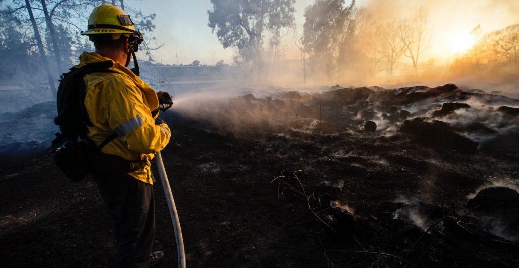 se han quemado 2 millones de acres en incendios de California, cifra récord