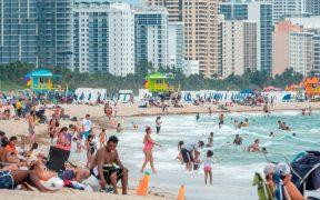 Florida despide el verano con cifras bajas de casos y muertes por Covid-19