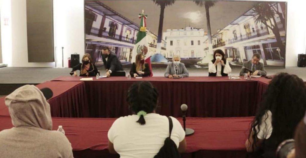 Reunión de colectivos feministas con Gobernación.