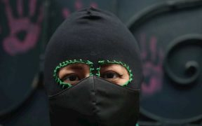 Colectivo feminista toma sede de CNDH en el Estado de México