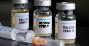 Primeras dosis de la vacuna contra Covid llegarán en diciembre o enero, estima Arturo Herrera
