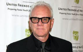 Malcolm McDowell, estrella de 'La naranja mecánica', protagonizará cinta de terror