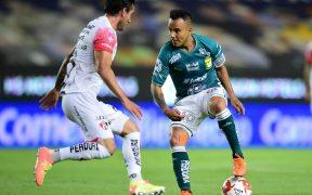 La dinámica y control de juego de Montes parecen no convencer a Gerardo Martino. (Foto: Mexsport)