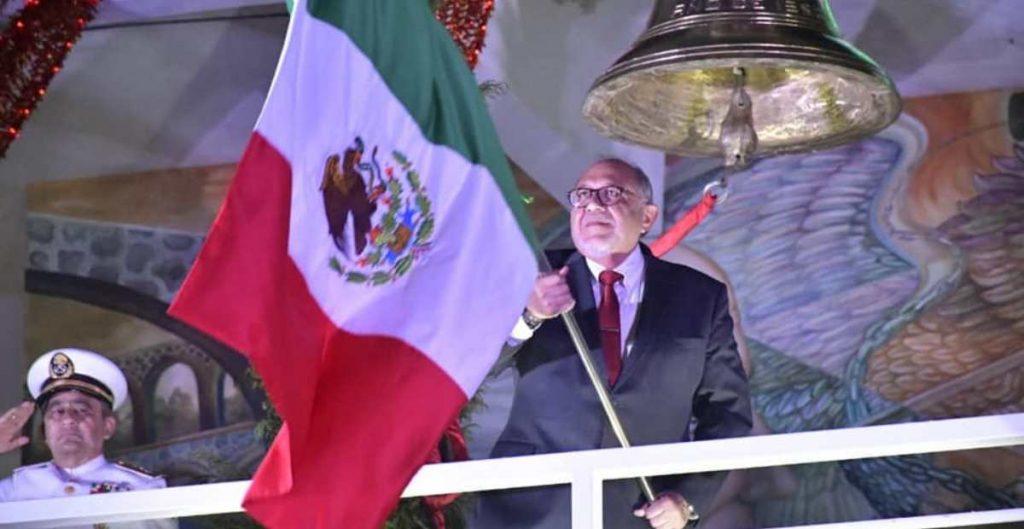 Alcalde de Mazatlán incluye a la 4T en el Grito de Independencia