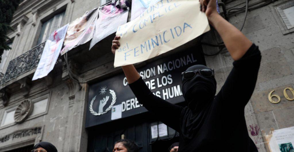 Familiares de víctimas mantendrán tomada la CNDH
