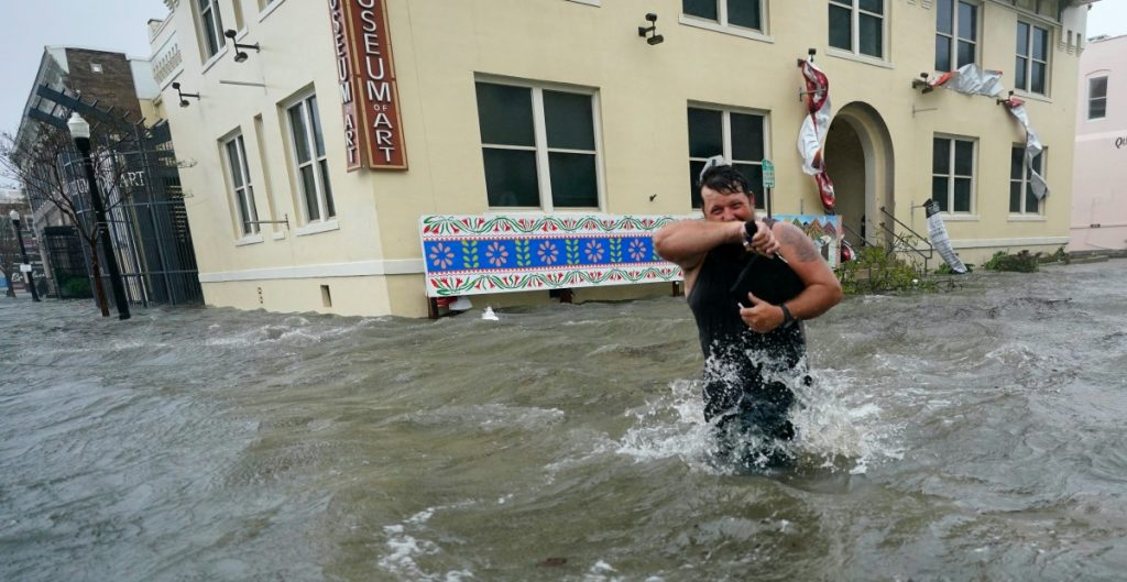'Sally' provoca inundaciones en Florida, Alabama y Georgia