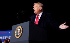 """Trump afirma que """"podría construir diez muros"""""""