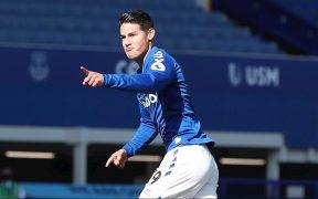 James Rodríguez celebra su primer gol con el Everton, en el triunfo sobre West Brom. (Foto: EFE)