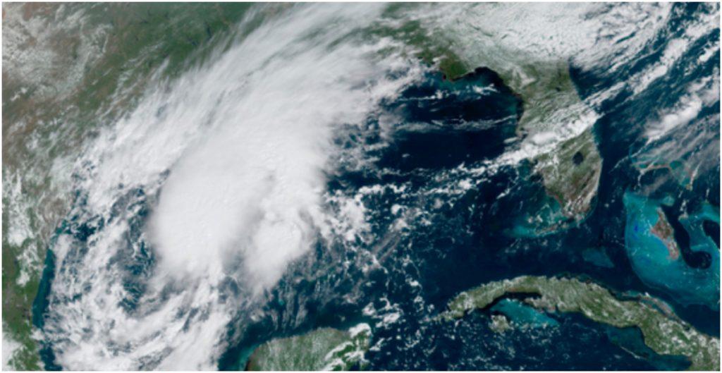 La tormenta Beta se acerca a las costas de Texas