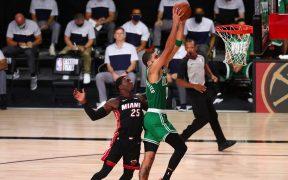 Jason Tatum lideró el ataque de los Celtics, con 25 puntos en el triunfo sobre Heat. (Foto: Reuters)